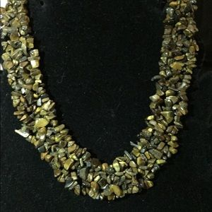Jewelry - Chipped lionskin bib necklace